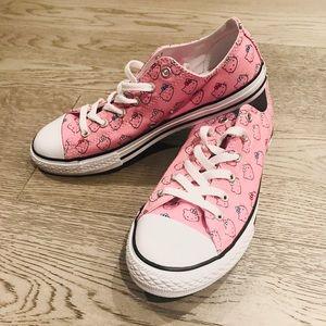 🌸 Hello Kitty Converse Shoes 🌸